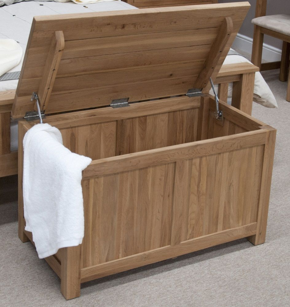 Opus Oak Blanket Box